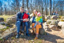 Семейная фотосессия в парке Александрия в Петергофе
