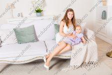 Студийная фотосессия для маленькой принцессы и её мамы