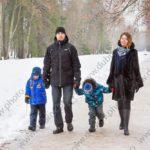 Семейная фотосессия с детьми зимой