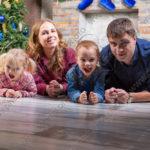 Новогодняя семейная студийная фотосъёмка